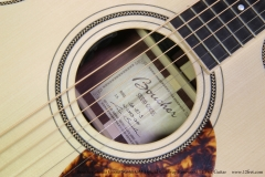 Boucher Studio Goose SG-51 OM Hybrid Cutaway Rosewood 14 Fret Guitar   Label View