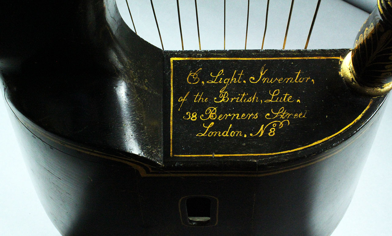 Edgar_light_london_lyra_1790_label_1