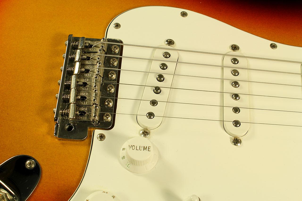 Fender-customshop-nos-1960-strat-cons-bridge-1