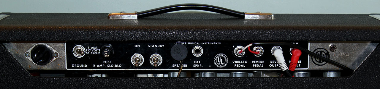 fender-deluxe-reverb-1966-cons-back-panel-1