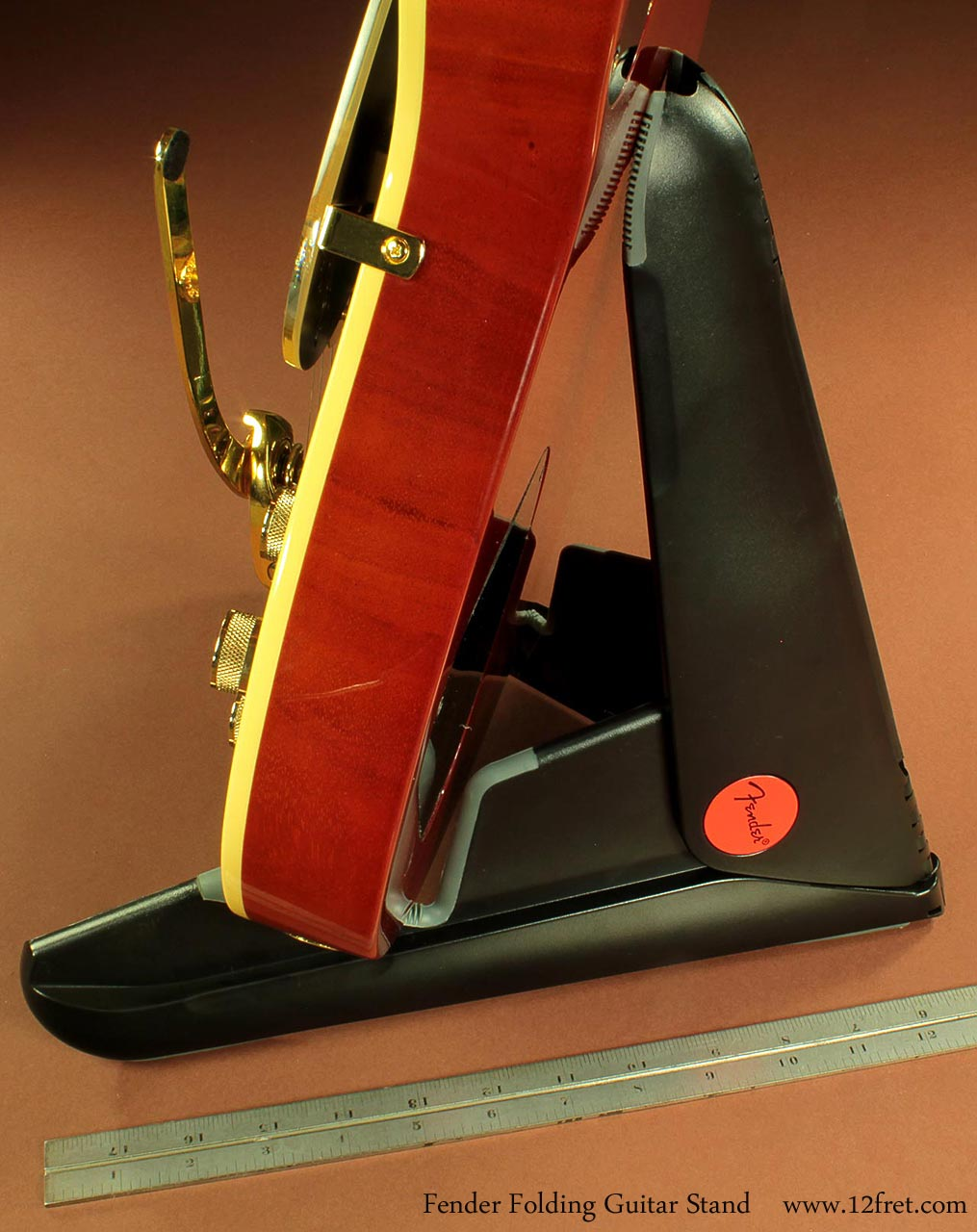 fender-folding-stand-in-use-1