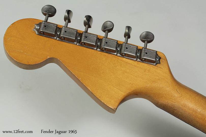 Fender Jaguar 1965 head rear view