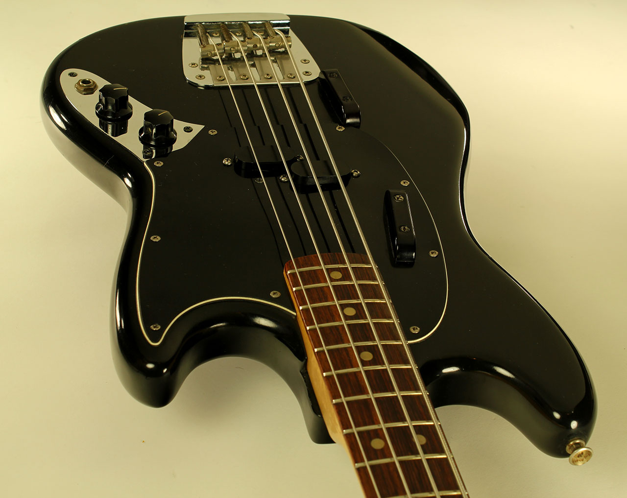 Fender Mustang Bass, 1974 | www.12fret.com  Fender Mustang ...