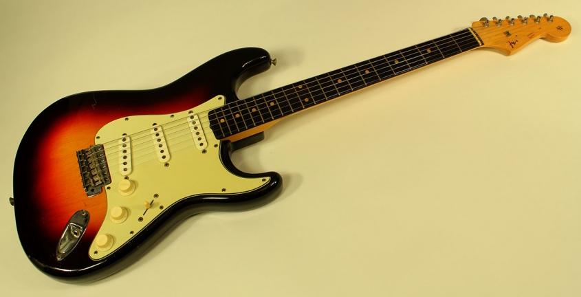Fender-strat-1961-cons-full-2