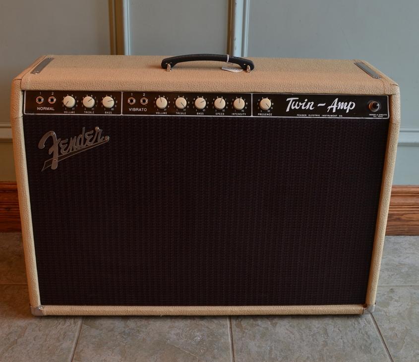 Fender-Twin-blondC