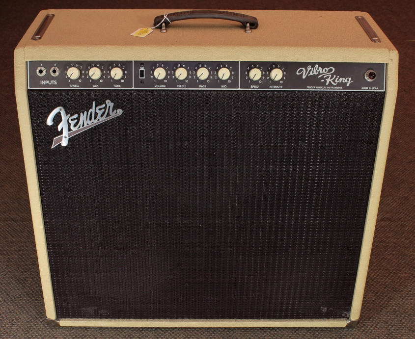 Fender Vibro King CSR4 Amplifier front view