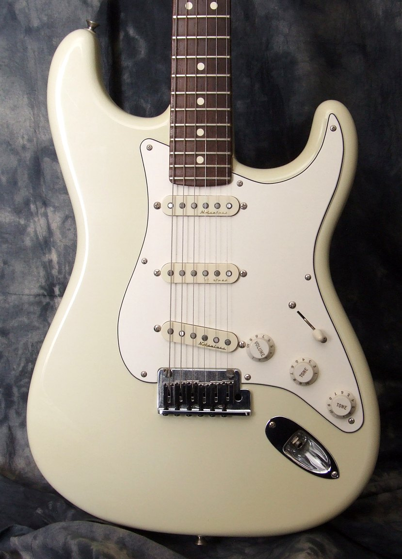 Fender_Custom_Shop_Group(C)_Custom_Strat_Top