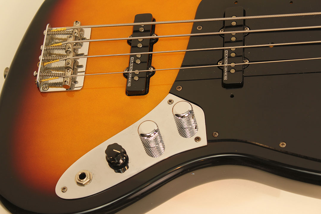 Fender_jazz_mg_top_detail_1