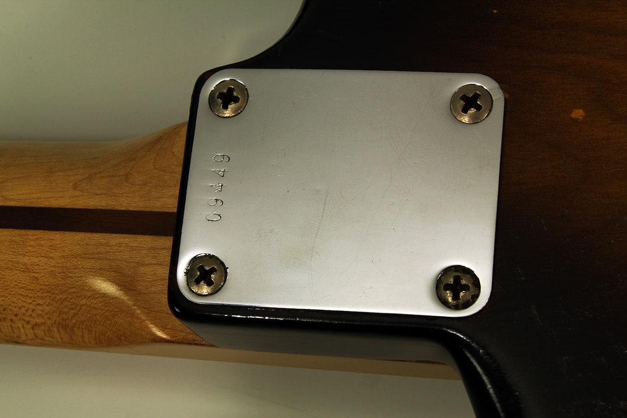 Fender_strat_1956_cons_neckplate_1