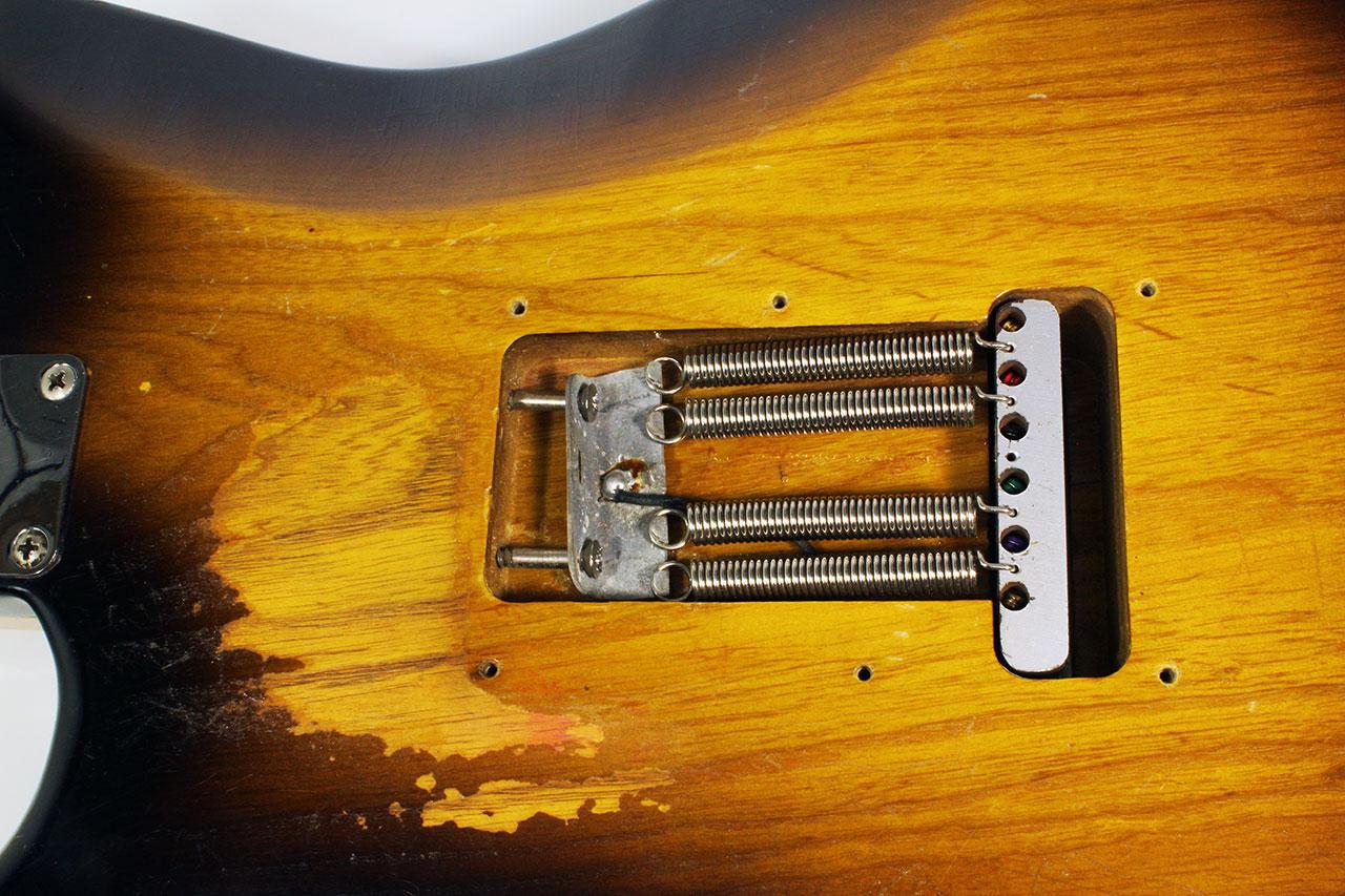 Fender_strat_1956_cons_trem_cavity_1