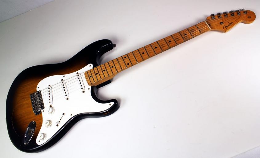 Fender_strat_1956_cons_full_2