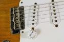Fender_strat_1956_cons_bridge_1