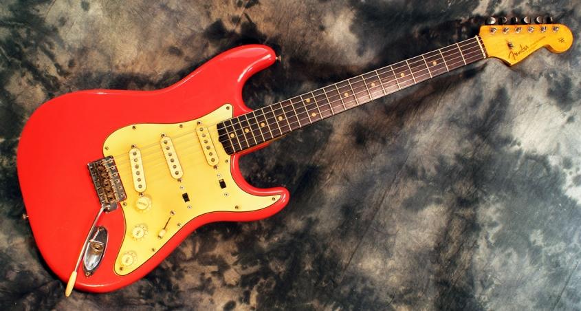 Fender_strat_1961_coral_full_3
