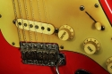 Fender_strat_1961_coral_bridge_1