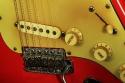 Fender_strat_1961_coral_bridge_1