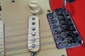 Fender_strat_1961_coral_bridge_3