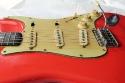 Fender_strat_1961_coral_pickguard_3