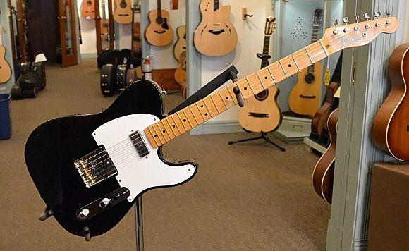 Fender_Tele_52-Hot-Rod-2008C