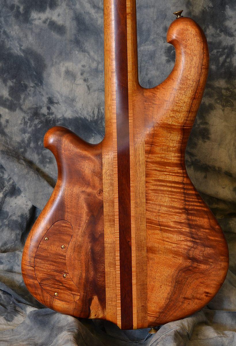 Furlinetto_Koa 4 String_1981(C)_back detail