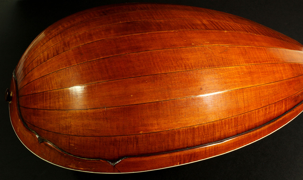 german_guitar_lute_20s_cons_back_side_view_1