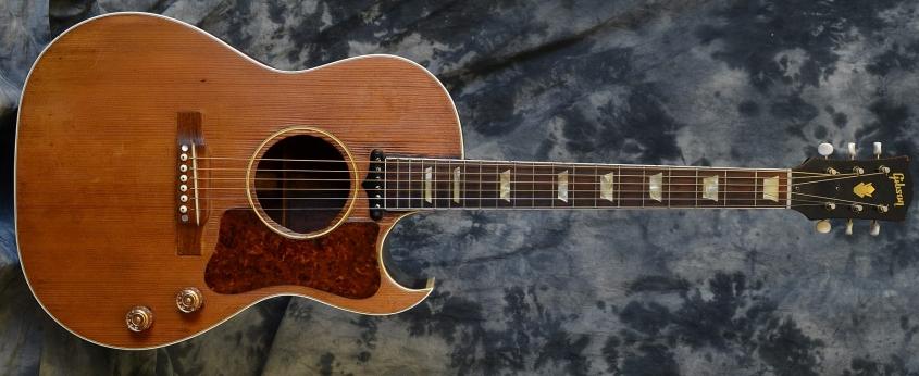 Gibson_CF100E 1951(C)
