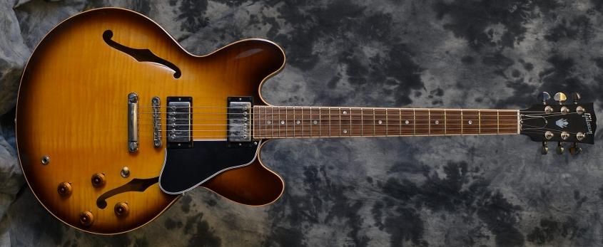 Gibson_ES-335_2000(C)