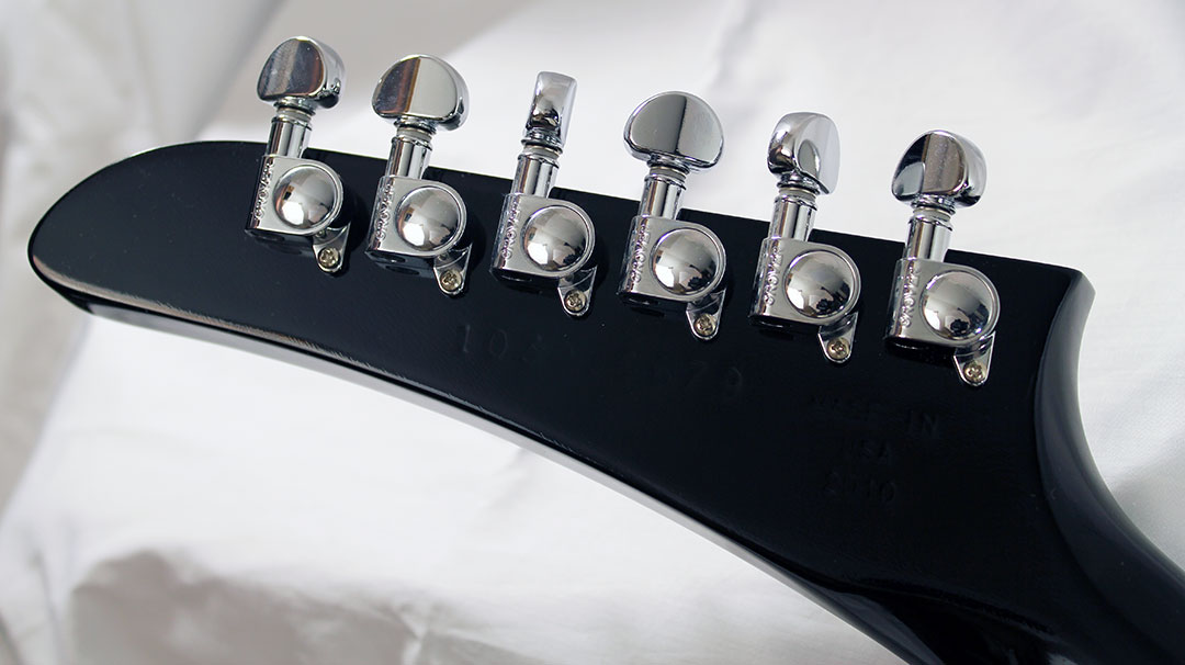 Gibson_explorer_blk_head_rear_1