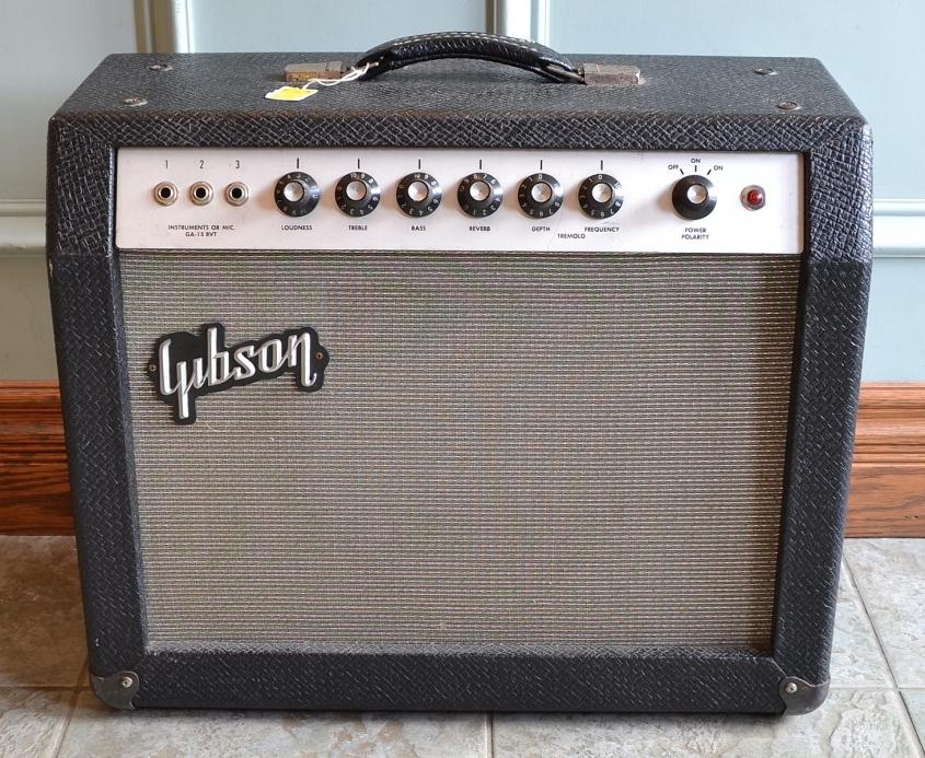 Gibson_GA-15RVT_Explorer_1965(C)