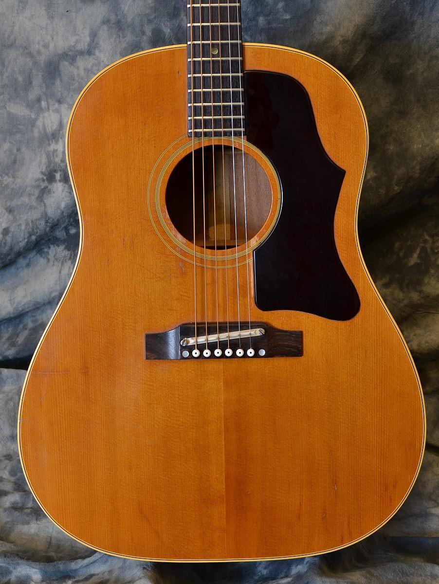 Gibson_J-50_1965(C)_top