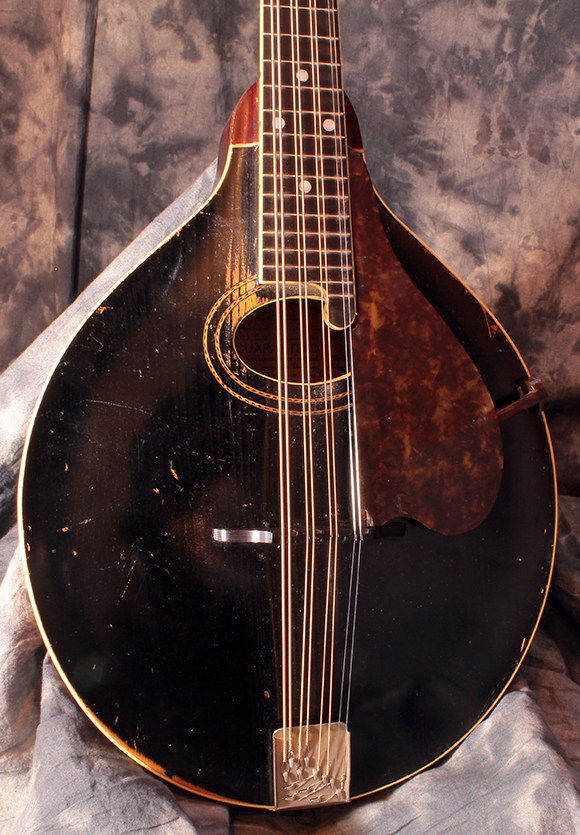 Gibson_mandola_1918_front