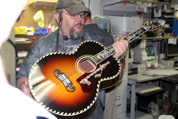 gibson_tour_shop_autry_5