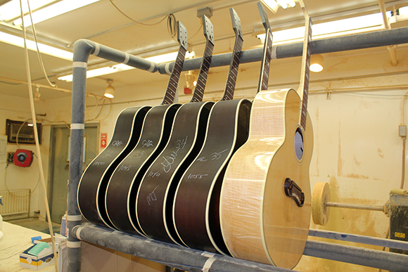 gibson_tour_shop_buffing_rack_1