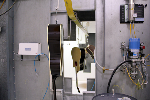 gibson_tour_shop_clear_coats_1