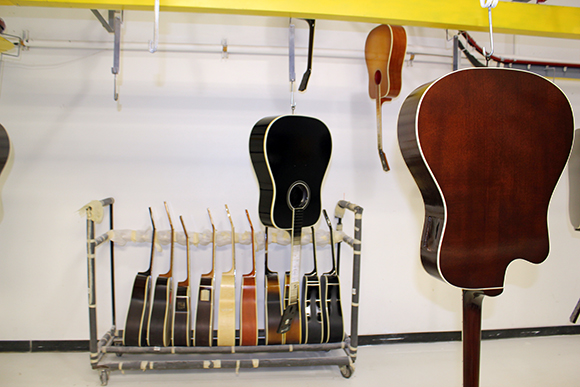 gibson_tour_shop_finish_track_5