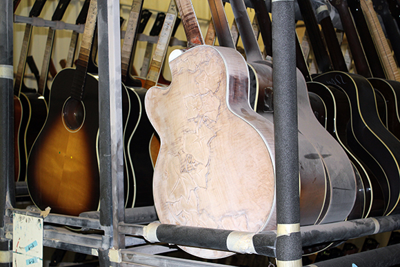 gibson_tour_shop_inspection_rack_2