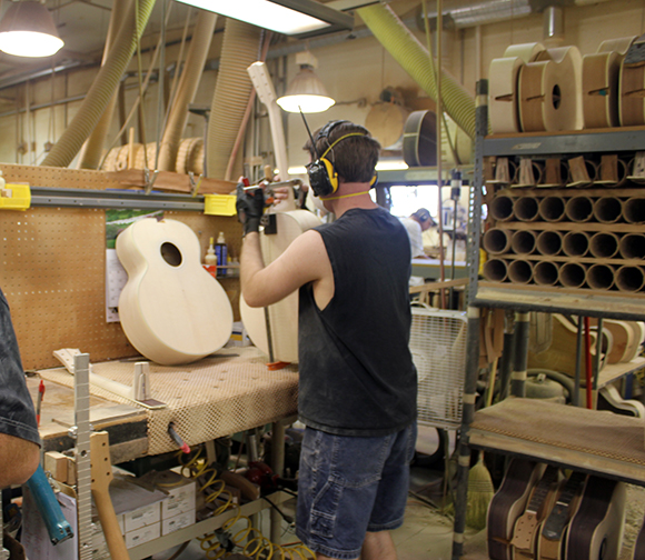 gibson_tour_shop_neck_fitting_4