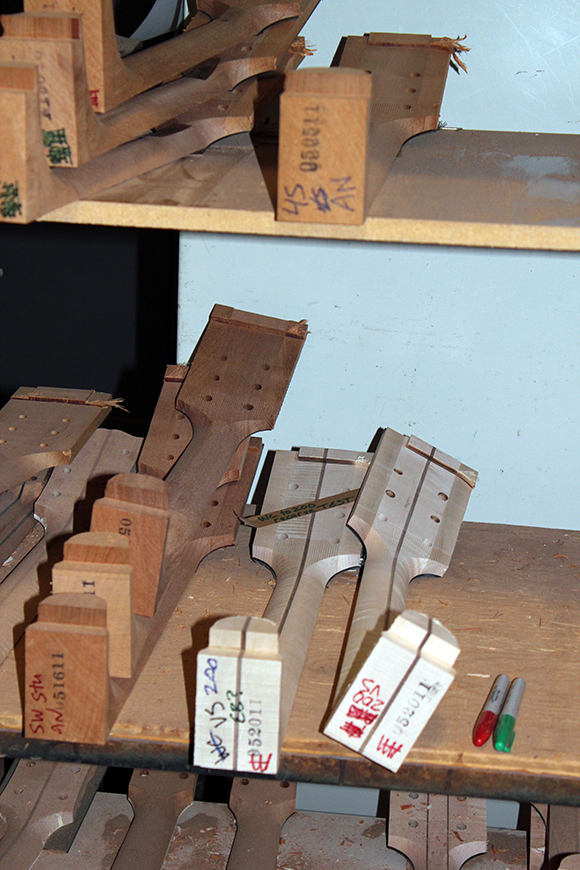 gibson_shop_neck_blanks_3