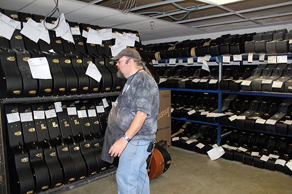 gibson_tour_shop_shipping_room_3
