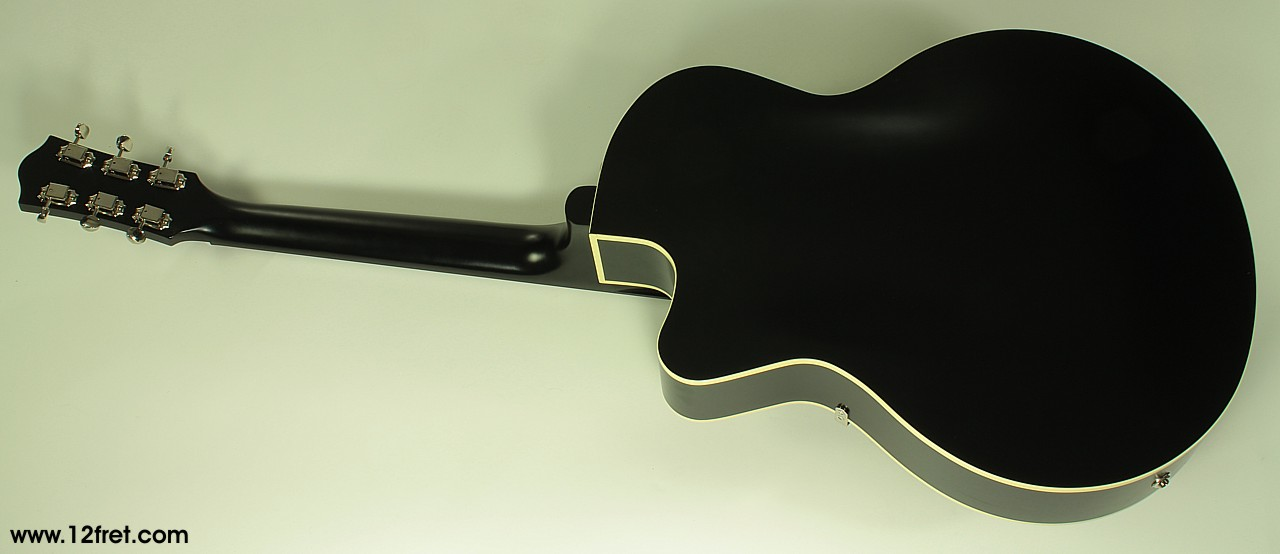 Godin 5th Avenue Uptown GT black, rear view