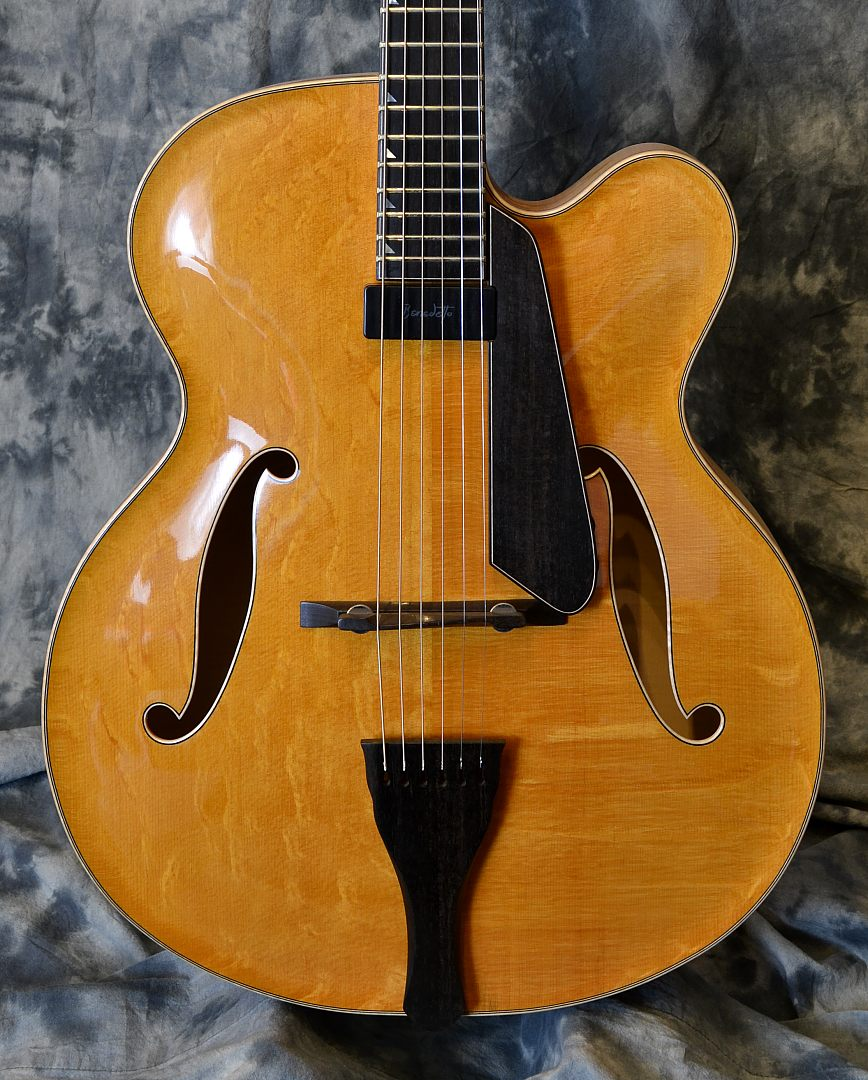Kingston_Archtop_2011_Top