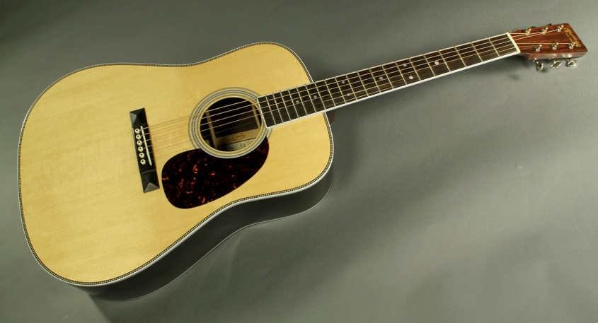Martin_12fret_35th_anni_HD_35_custom_full_1