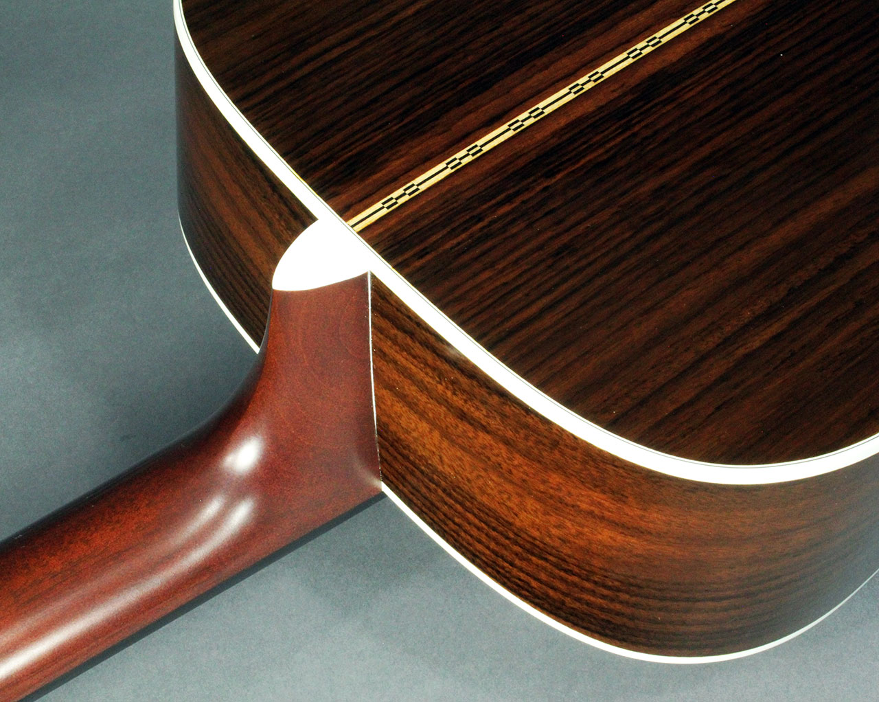 Martin_d28_2008_cons_neck_joint_1