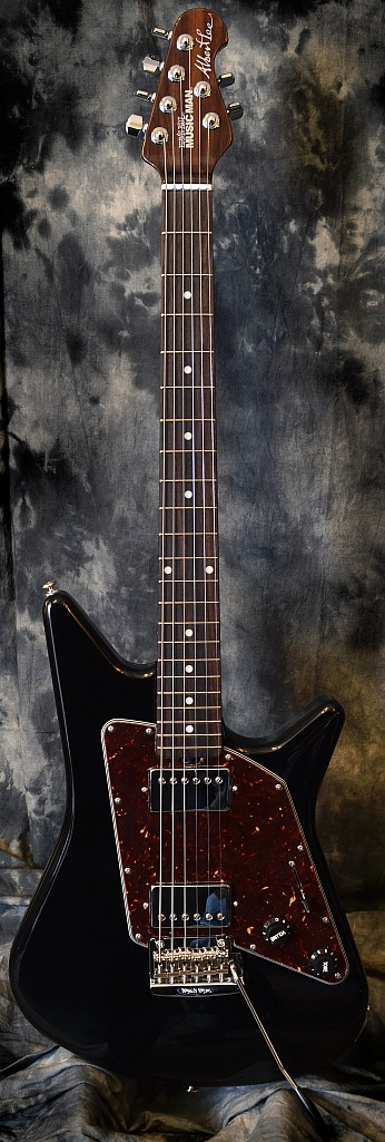 musicman_albertlee_hh_black