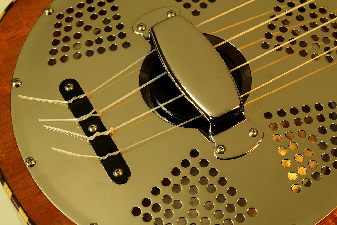 national-koa-concert-uke-string-tie-1