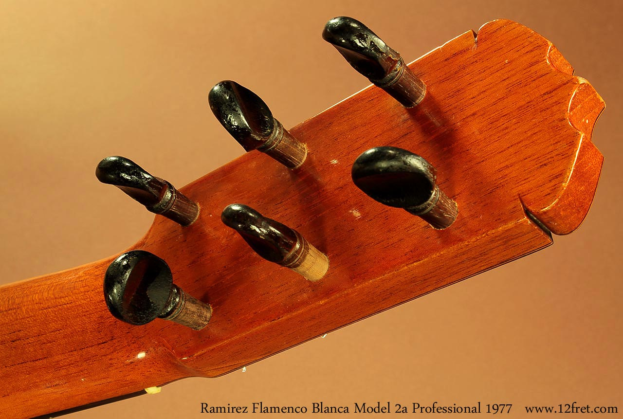 ramirez-2a-pro-flamenco-blanca-1977-head-rear-1