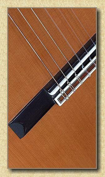 Ramirez_2NE_classical_guitar_b