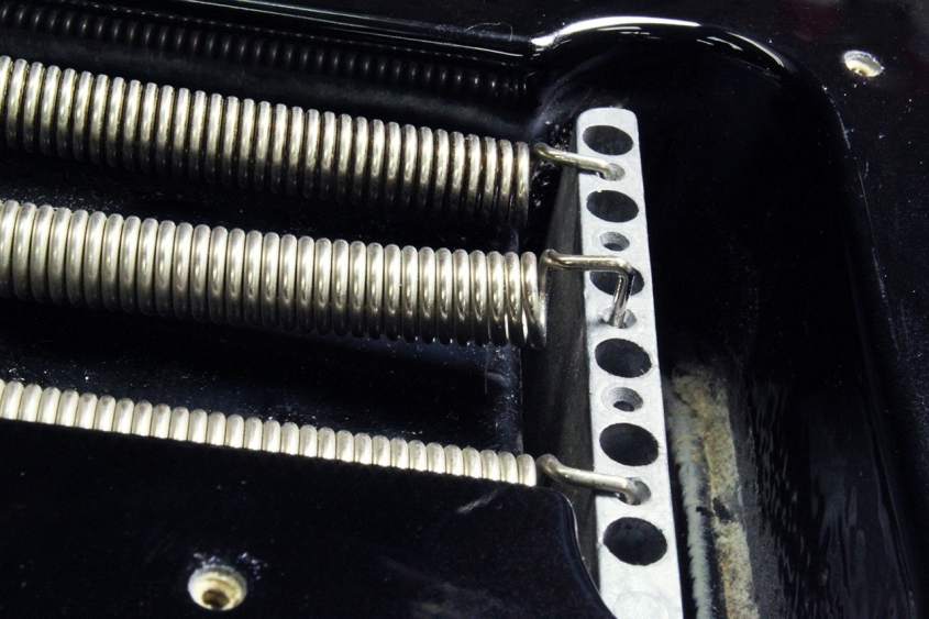 Shop_strat_trem_2_bridge_springs_1