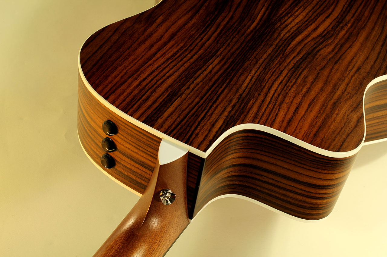 Taylor-214ce-sb-neck-joint-1