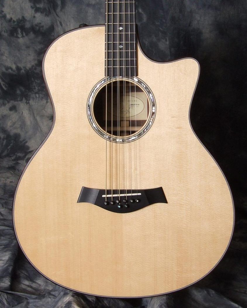 Taylor 8 String Baritone Guitar Top