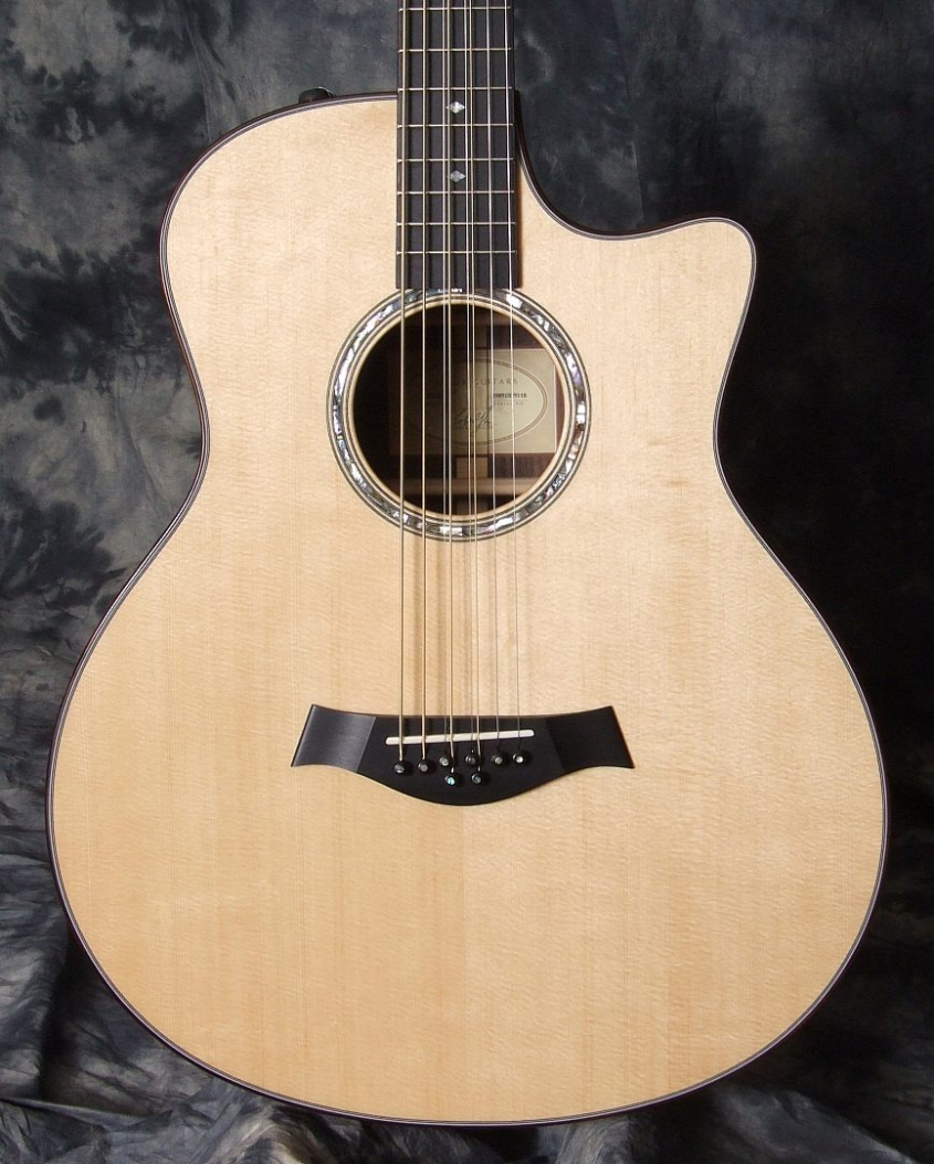 Taylor 8 String Baritone Guitar Top
